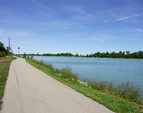 View north along the Welland Canal