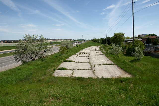 Abandoned Indian Line starts a few metres south of Morning Star Drive