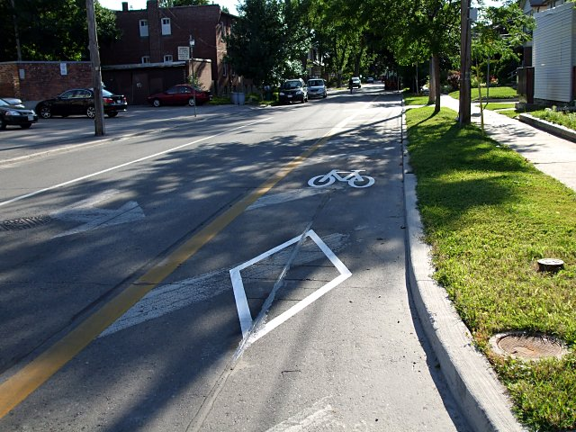 Chester Hill bike lane, now with extra stencilly goodness.