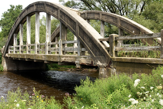 Concrete bowstring bridge outside Guelph