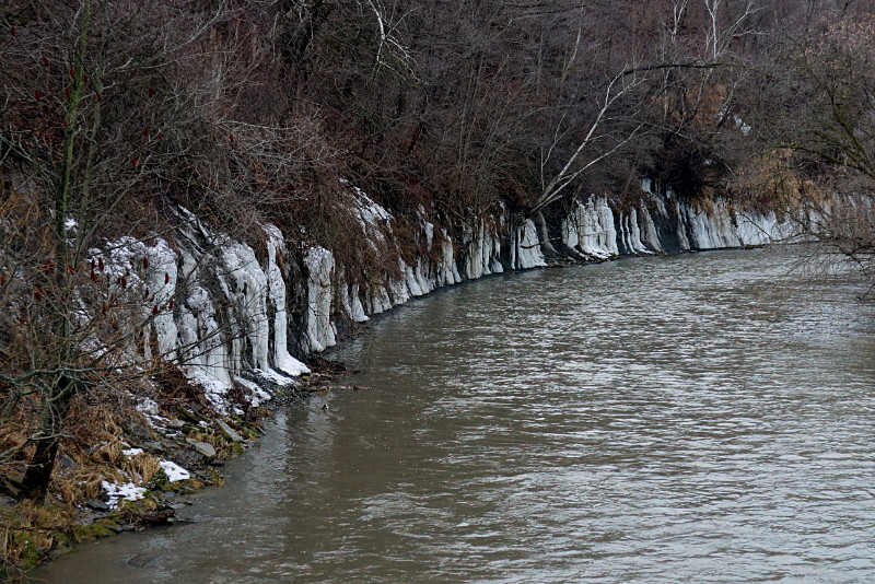 Ice curtain around the Don River