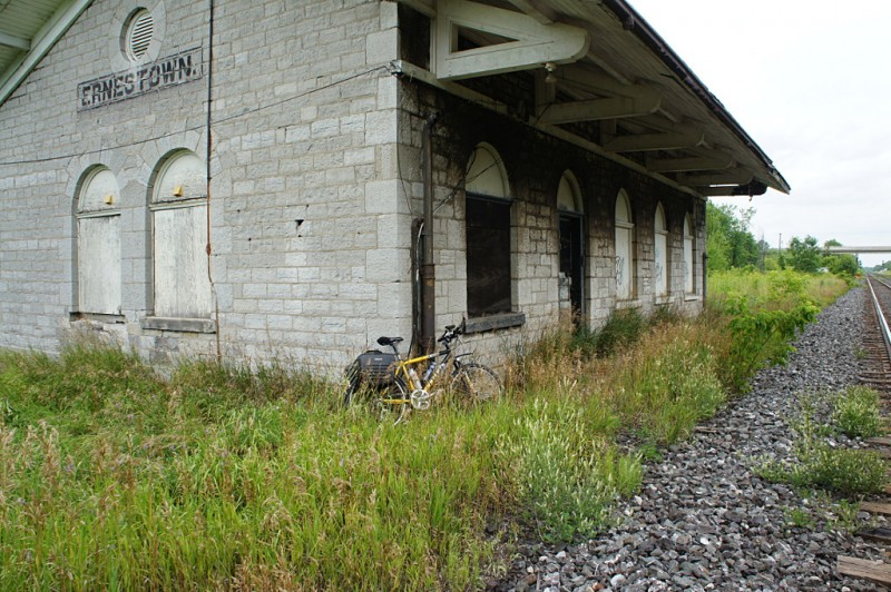 Ernestown train station