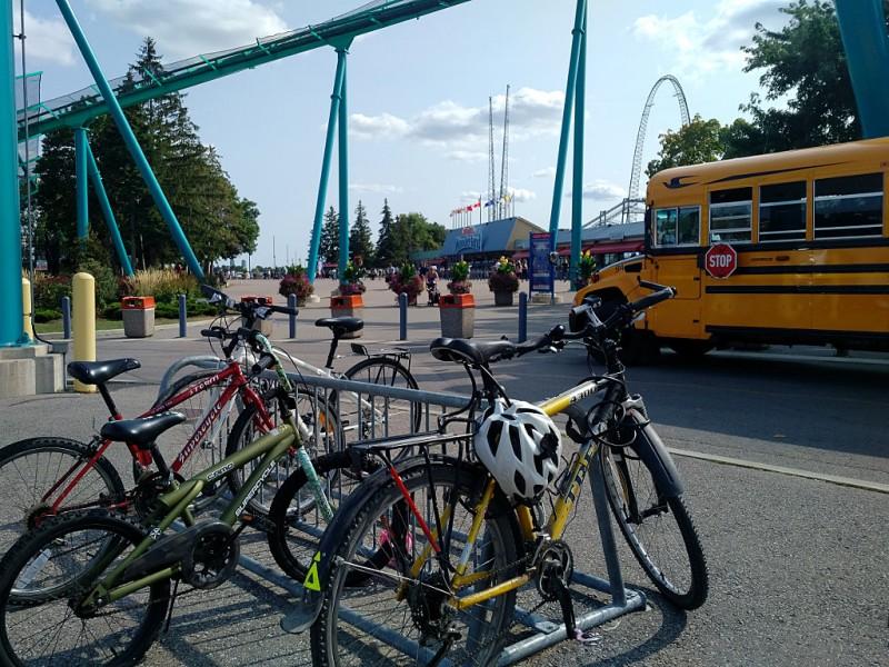 20170825-bikes-parked-at-canadas-wonderland